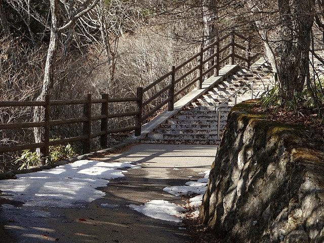 竜頭 の 滝 アクセス