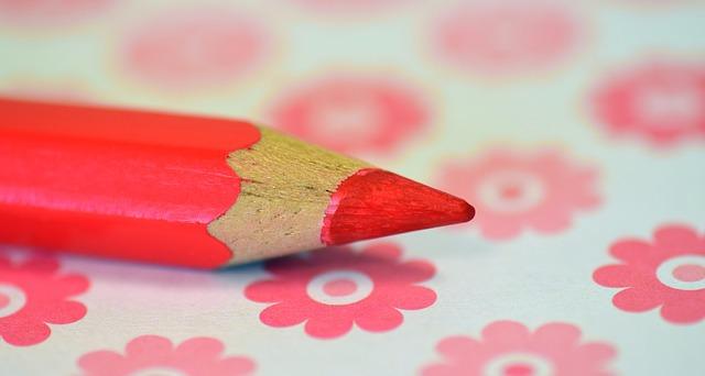 ピンクの色鉛筆
