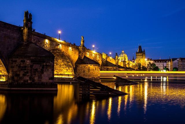 夜のプラハ