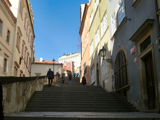 プラハ城への階段
