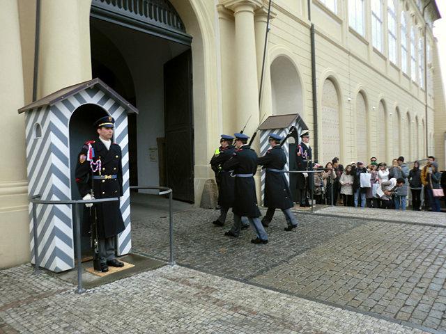 プラハ城衛兵交代式