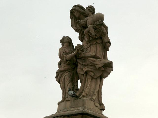 カレル橋 聖アンナ像