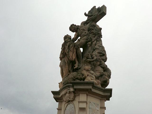 カレル橋 聖ルトガルディス像