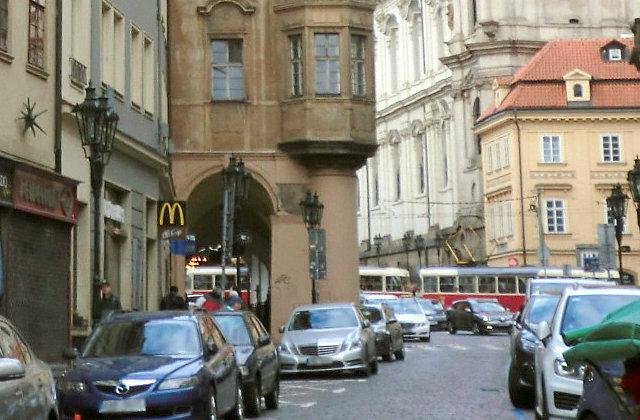 プラハのマクドナルド