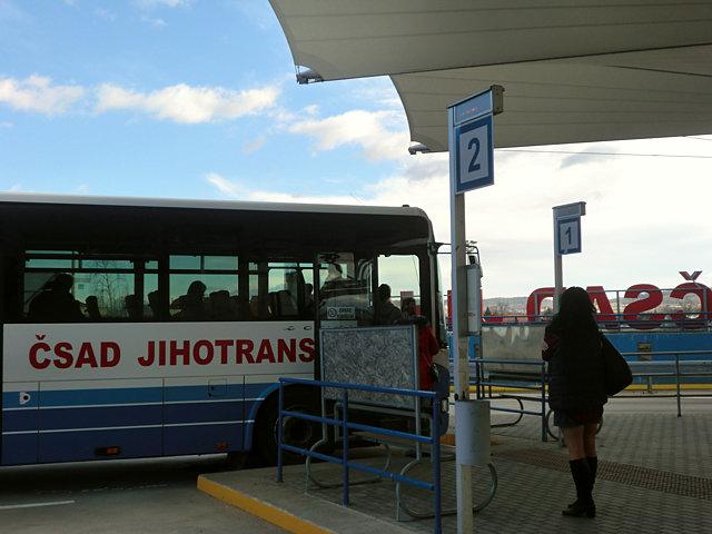 チェスキー・クルムロフ行きのバス