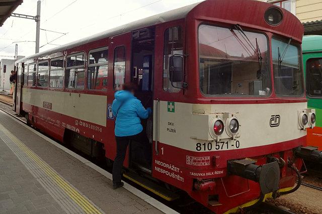 チェコ鉄道の1両編成電車