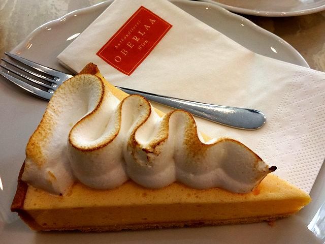 オーバーラーのケーキ