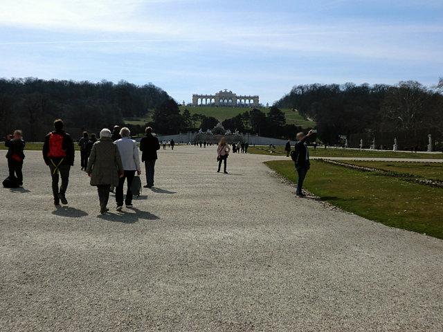 シェーンブルン宮殿グロリエッテ遠景