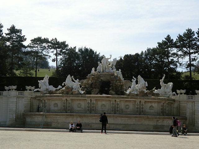 シェーンブルン宮殿ネプチューンの泉