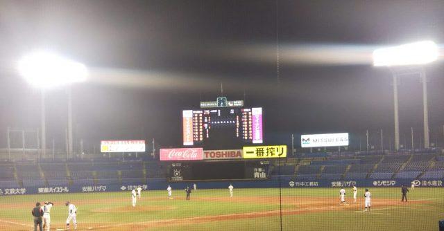 夜の神宮球場