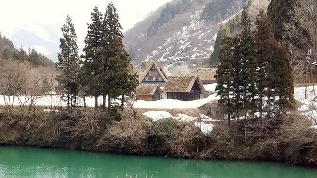庄川と菅沼合掌造り集落